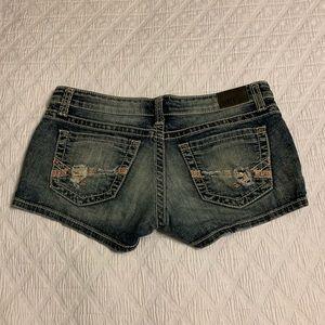 BKE Stella shorts size 28